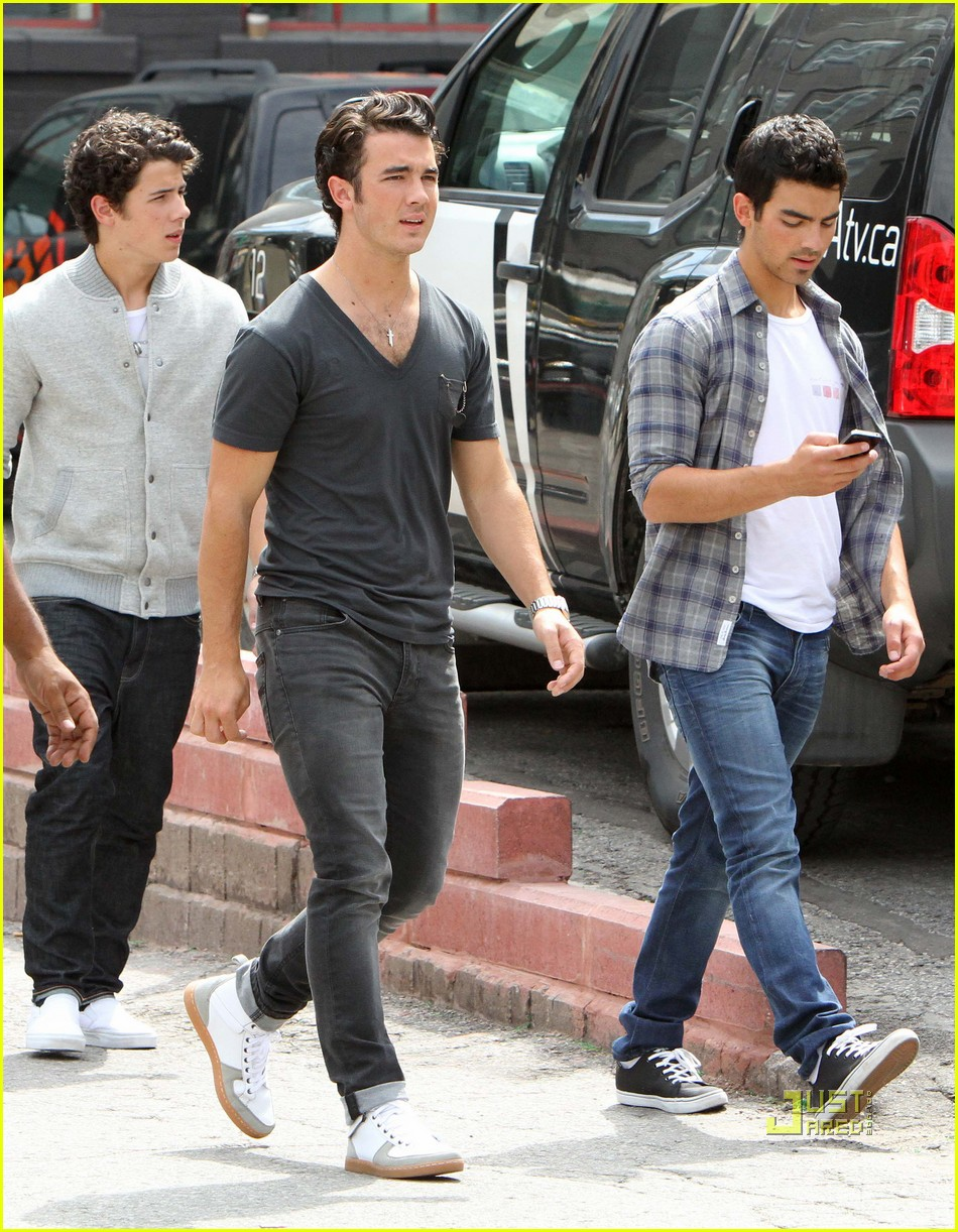jonas brothers camp rock 2 pumped 02