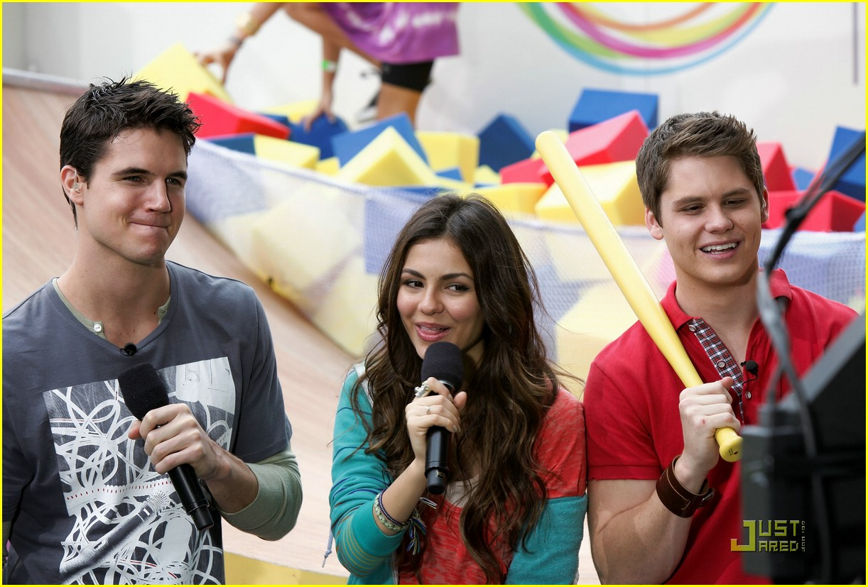 matt shively robbie amell play 11