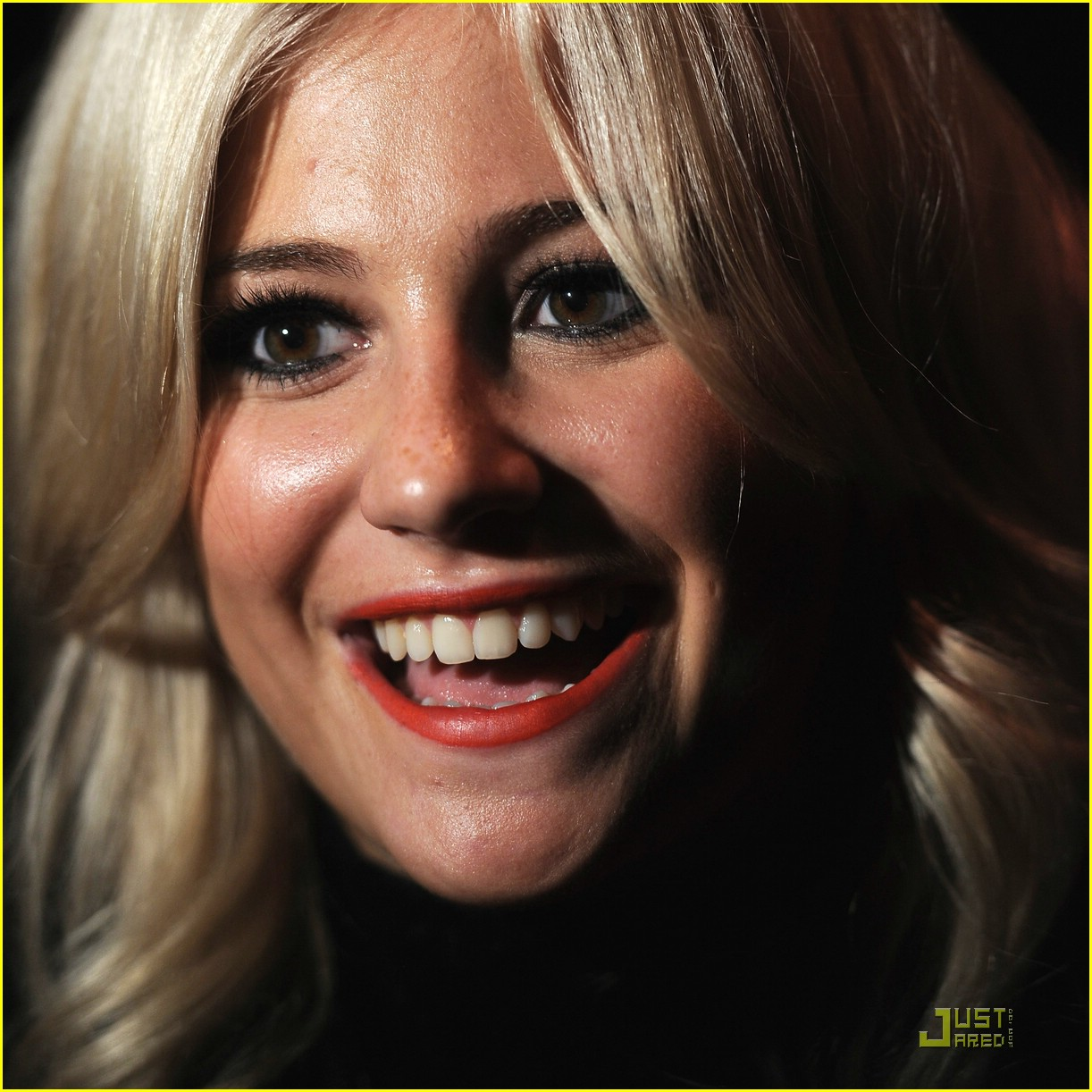 pixie lott broken arrow 04