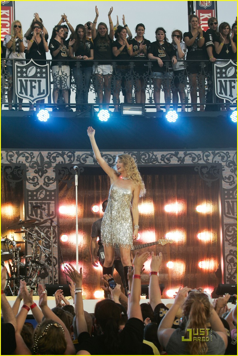 taylor swift saints march in 13