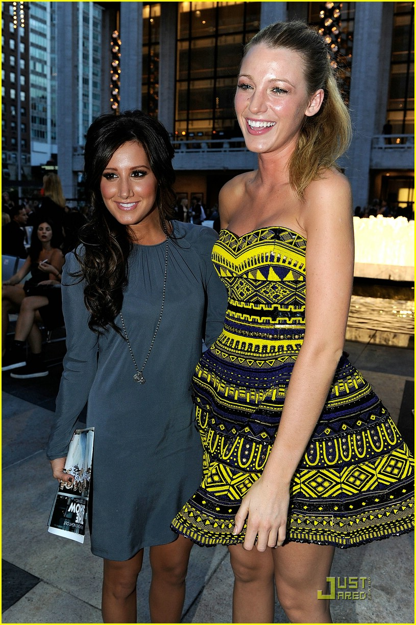 ashley tisdale fashion night out 09