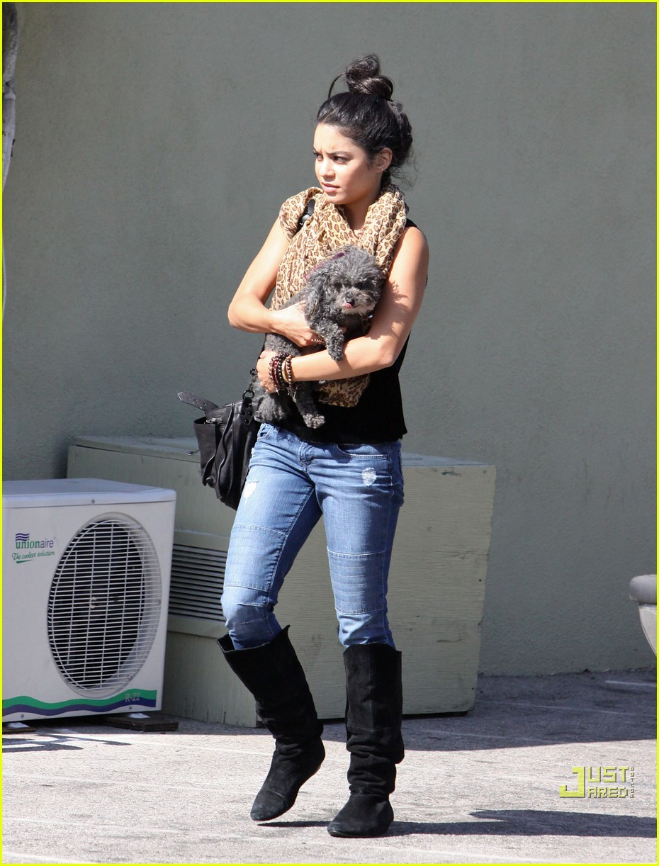 vanessa hudgens brittany snow mid day date 06