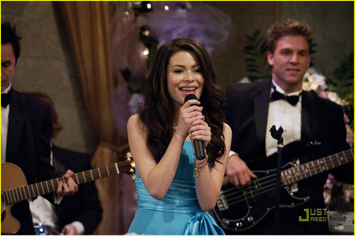 miranda cosgrove icarly shakespeare 03