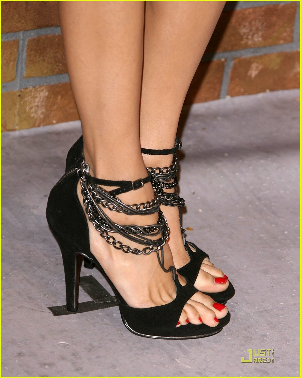 nina dobrev scream awards 17