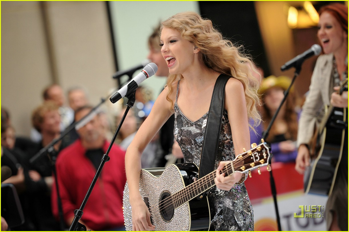 taylor swift rockefeller center 16