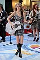Swift-rockefeller taylor swift rockefeller center 33