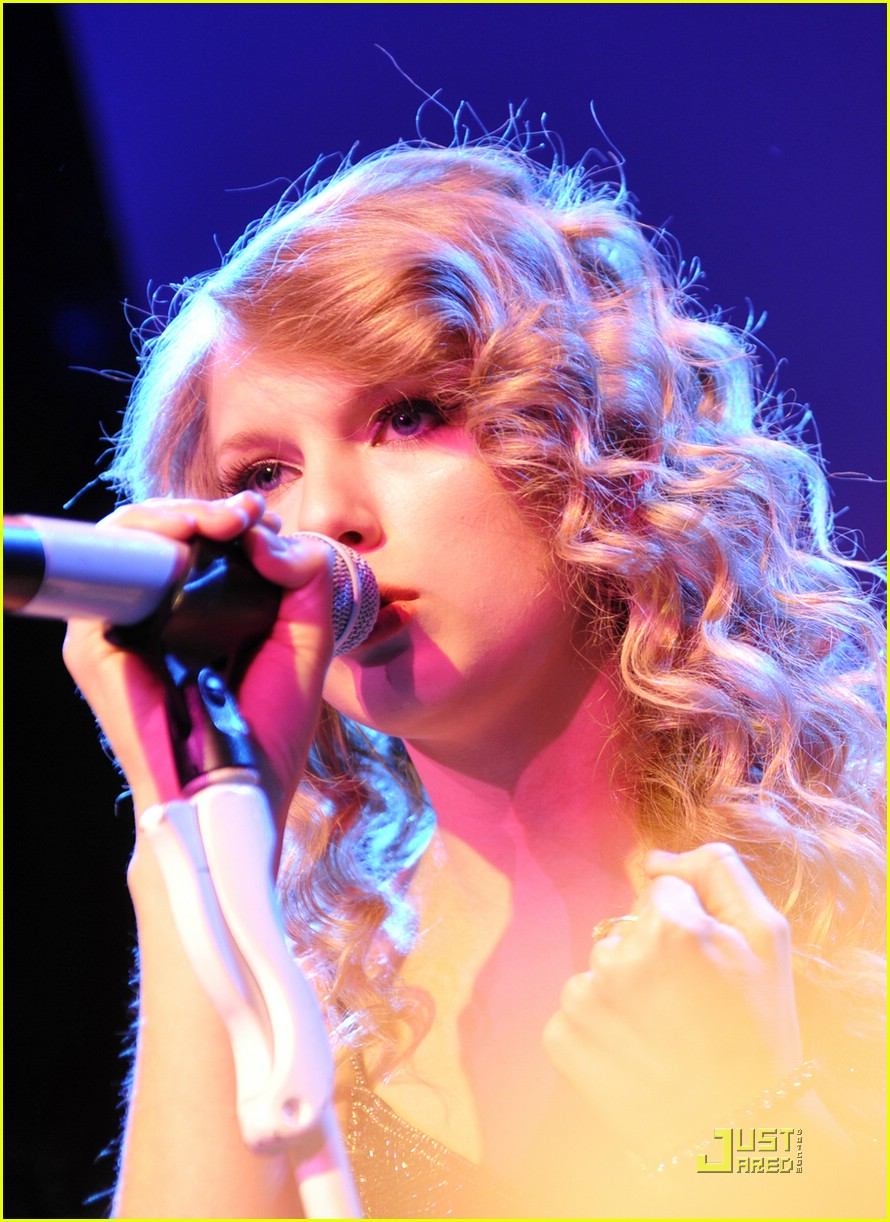 taylor swift salle showcase 24