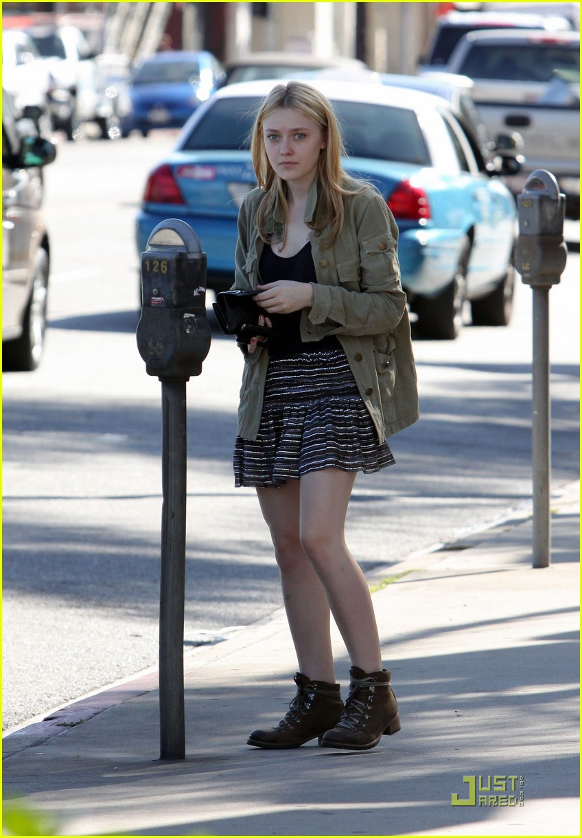 dakota fanning opening ceremony 11