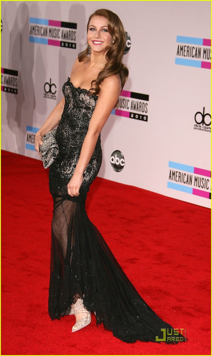 julianne hough 2010 amas 05