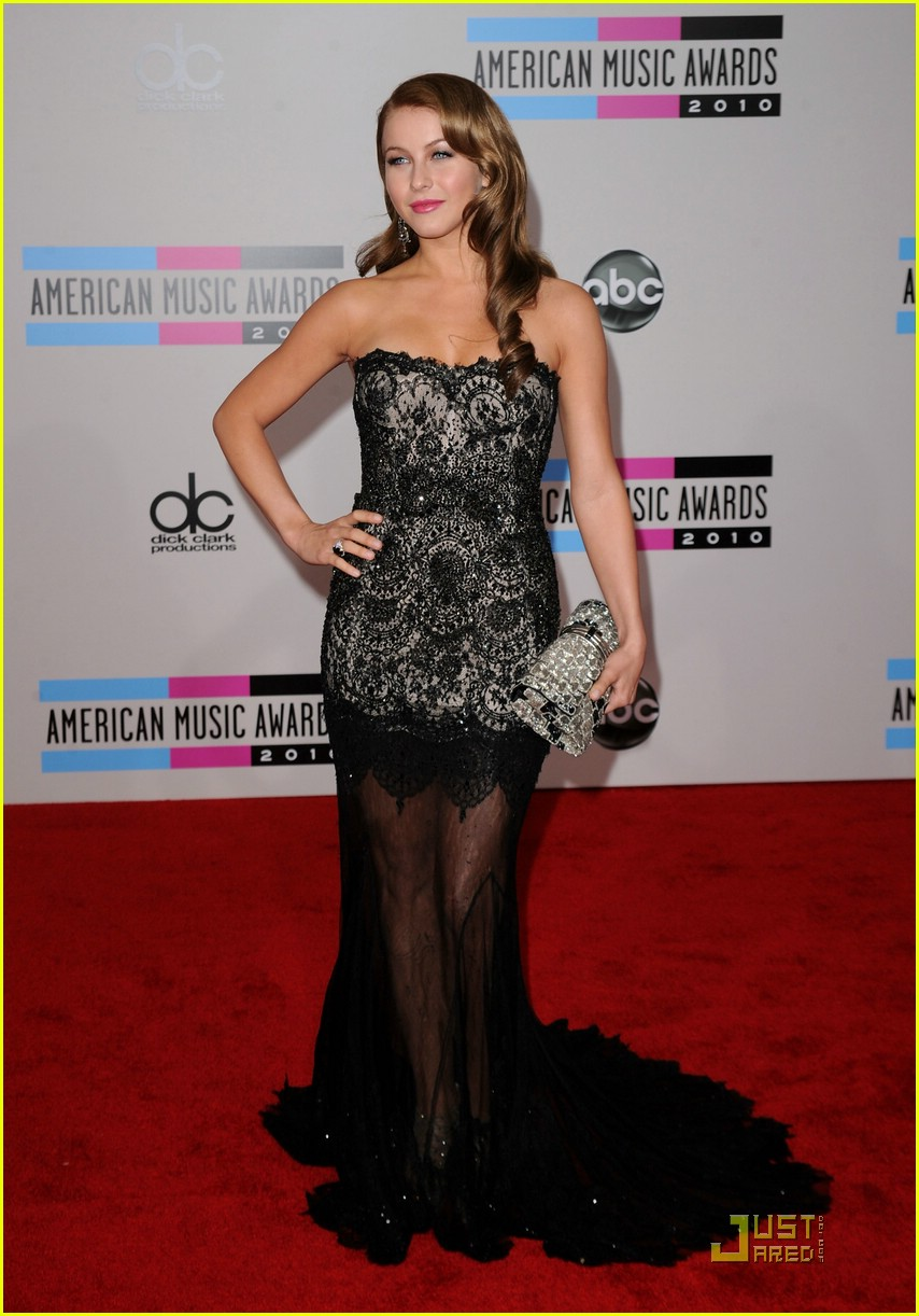 julianne hough 2010 amas 06