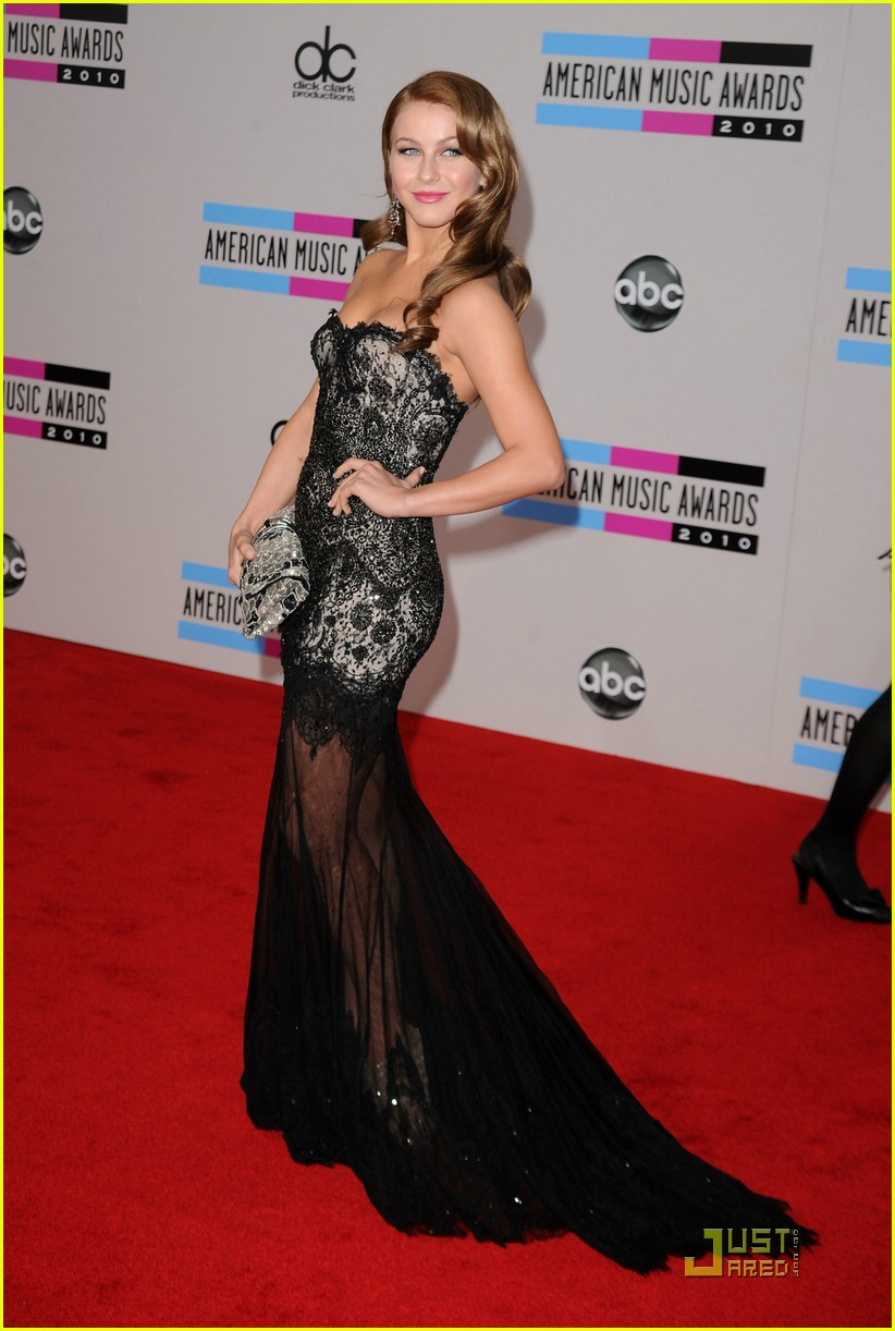 julianne hough 2010 amas 12