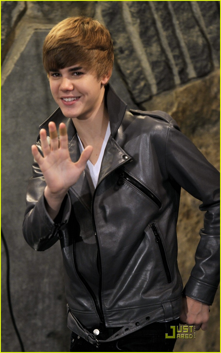 justin bieber madrid gold record 11
