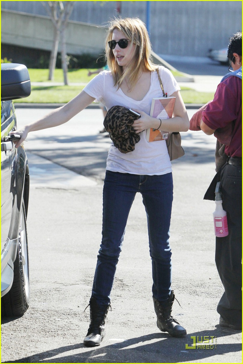 emma roberts car wash 03