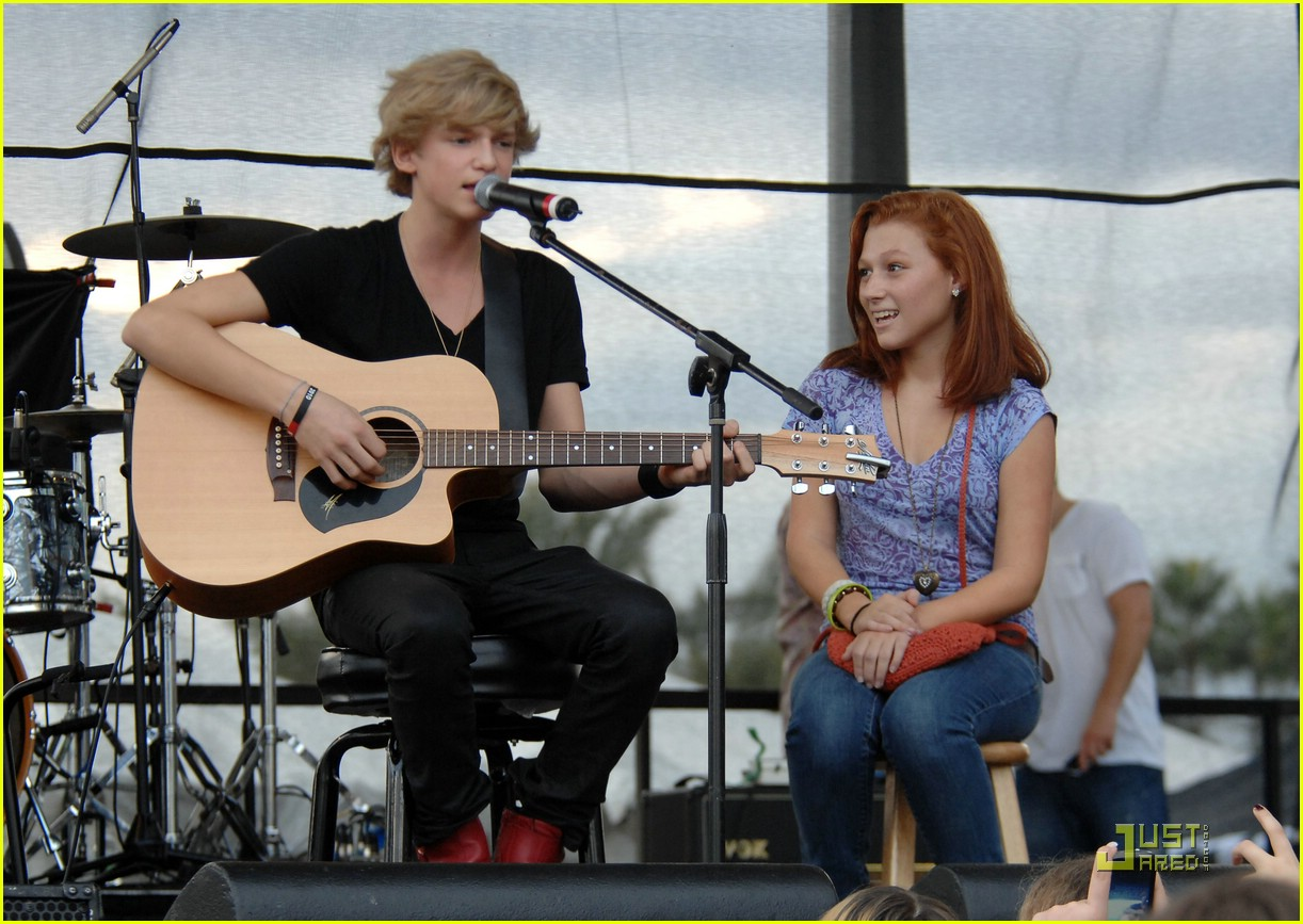 cody simpson jingle ball y100 04