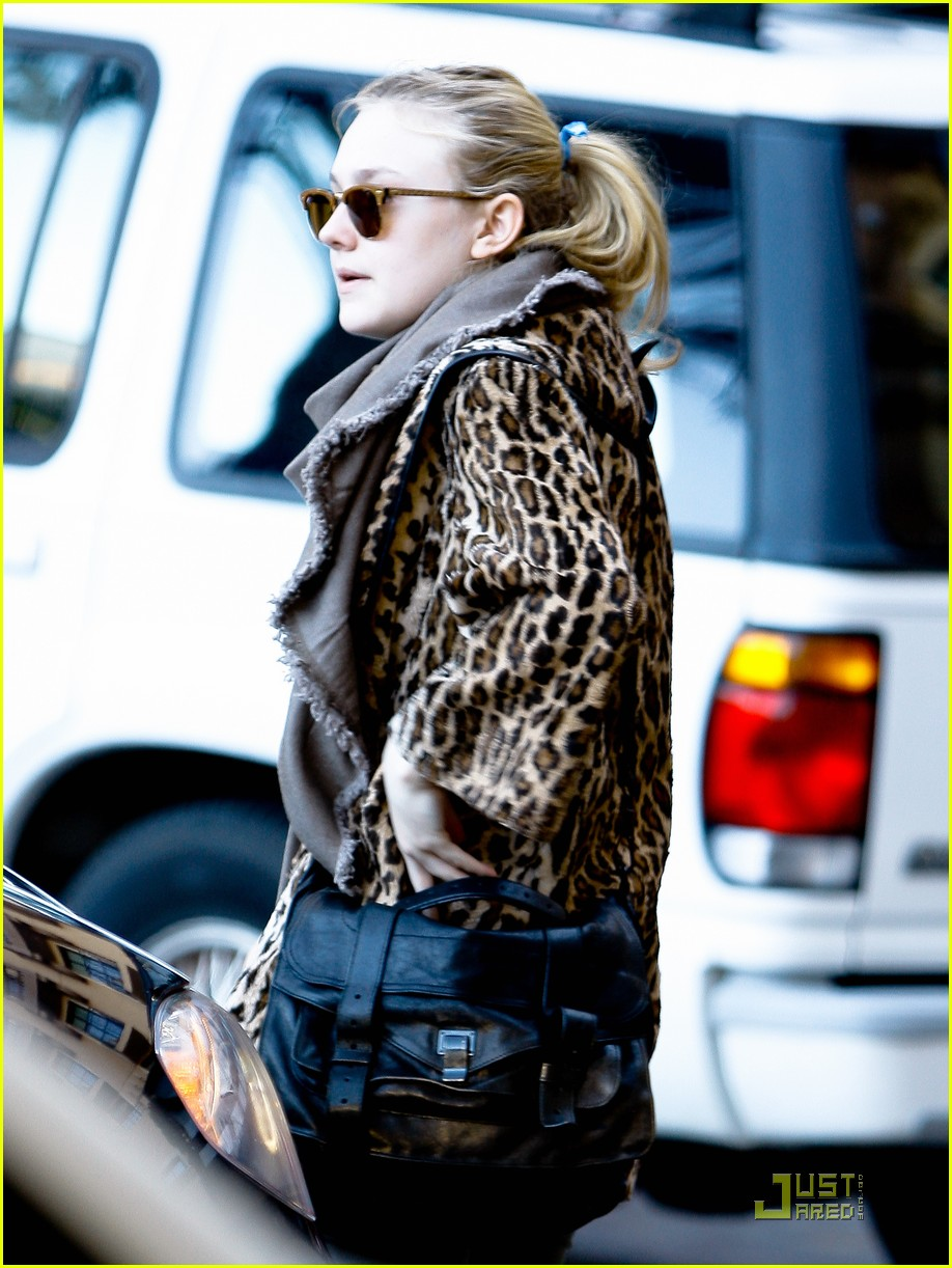 dakota fanning lax 03