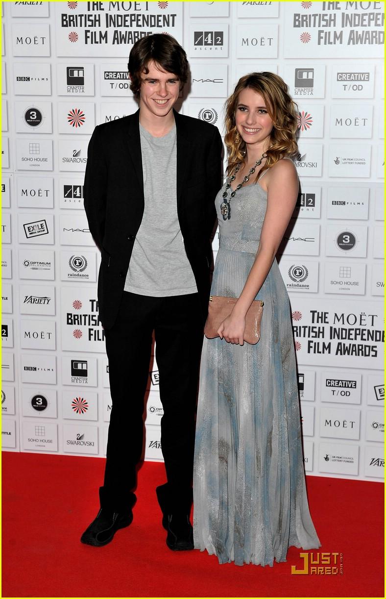 Emma Roberts & Freddie Highmore: Moet Mates | Photo 396393 ...