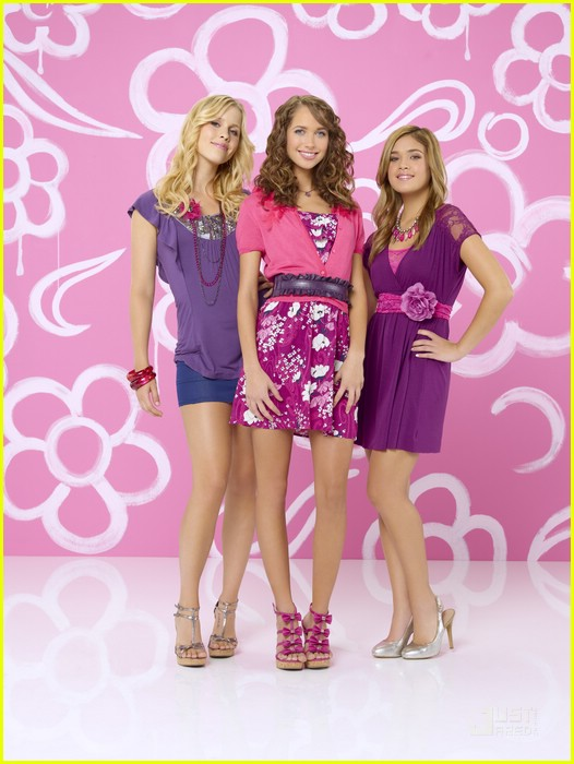 meaghan martin jennifer stone mean girls 2 pics 06