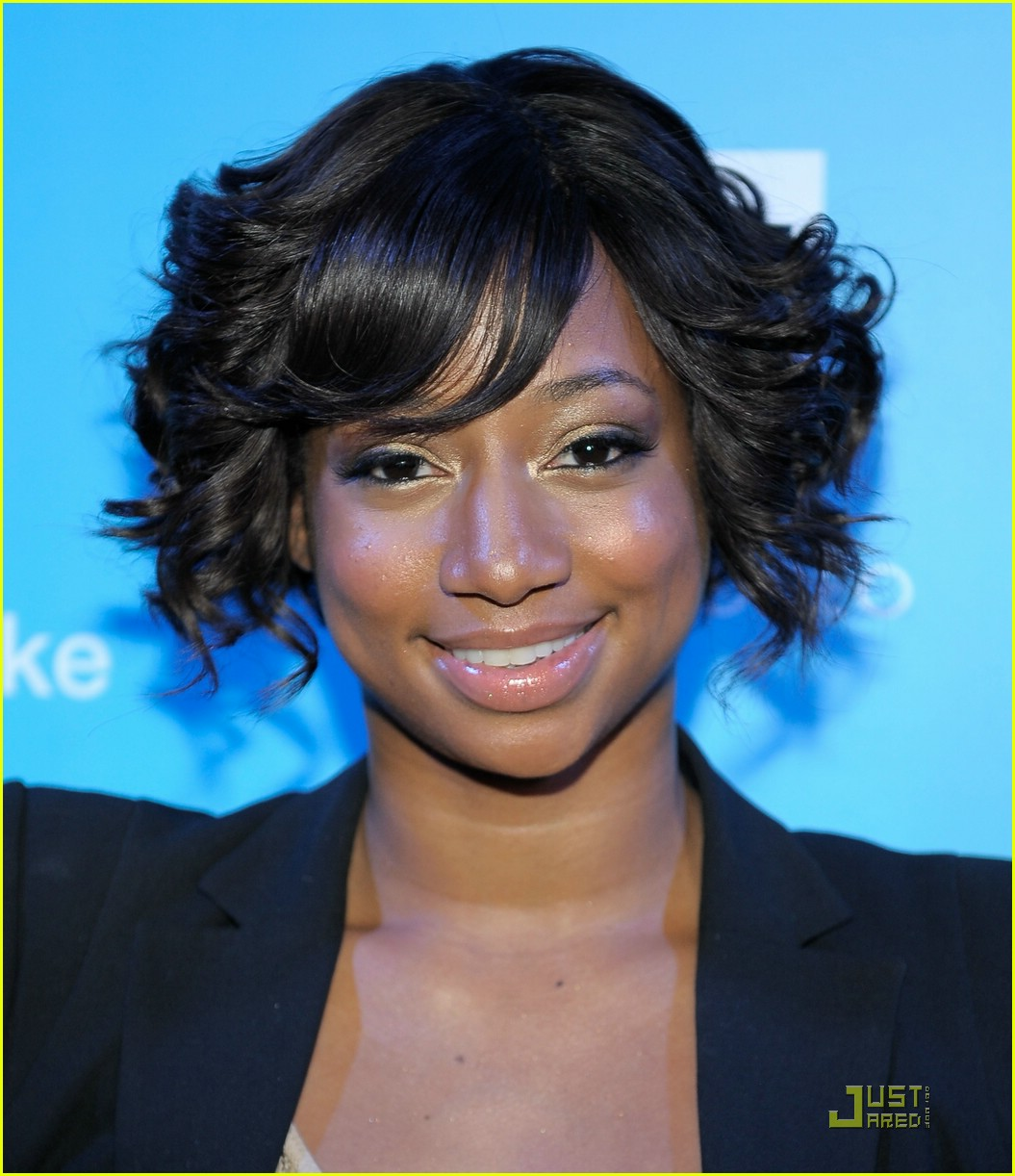 monique coleman snow90210 unicef 15