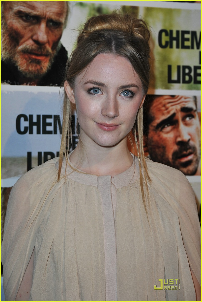 saoirse ronan paris premiere 13
