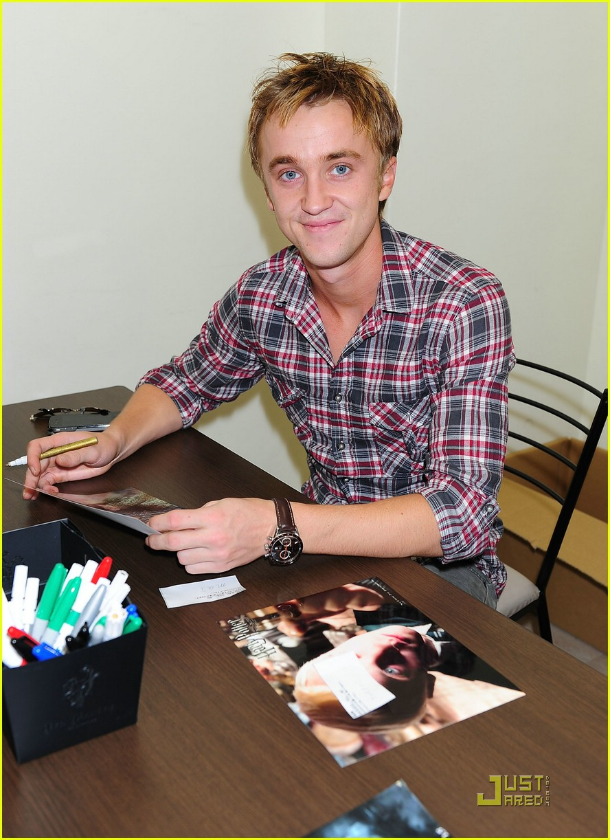 tom felton loves fans 05