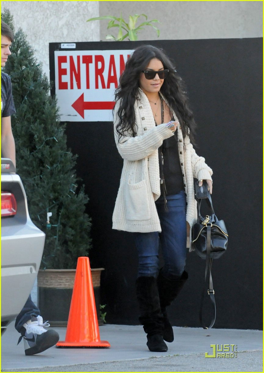 vanessa hudgens lunch matt sarah 05