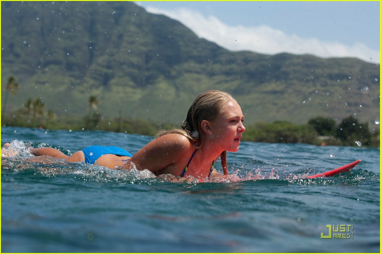 Actress In Soul Surfer: AnnaSophia Robb In 'Soul Surfer' -- FIRST LOOK!