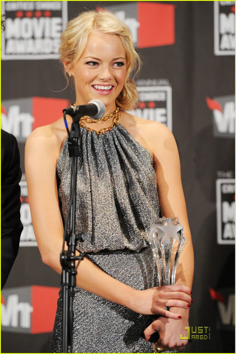 emma stone critics choice 05