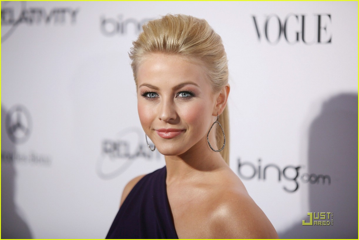julianne hough golden globes 11