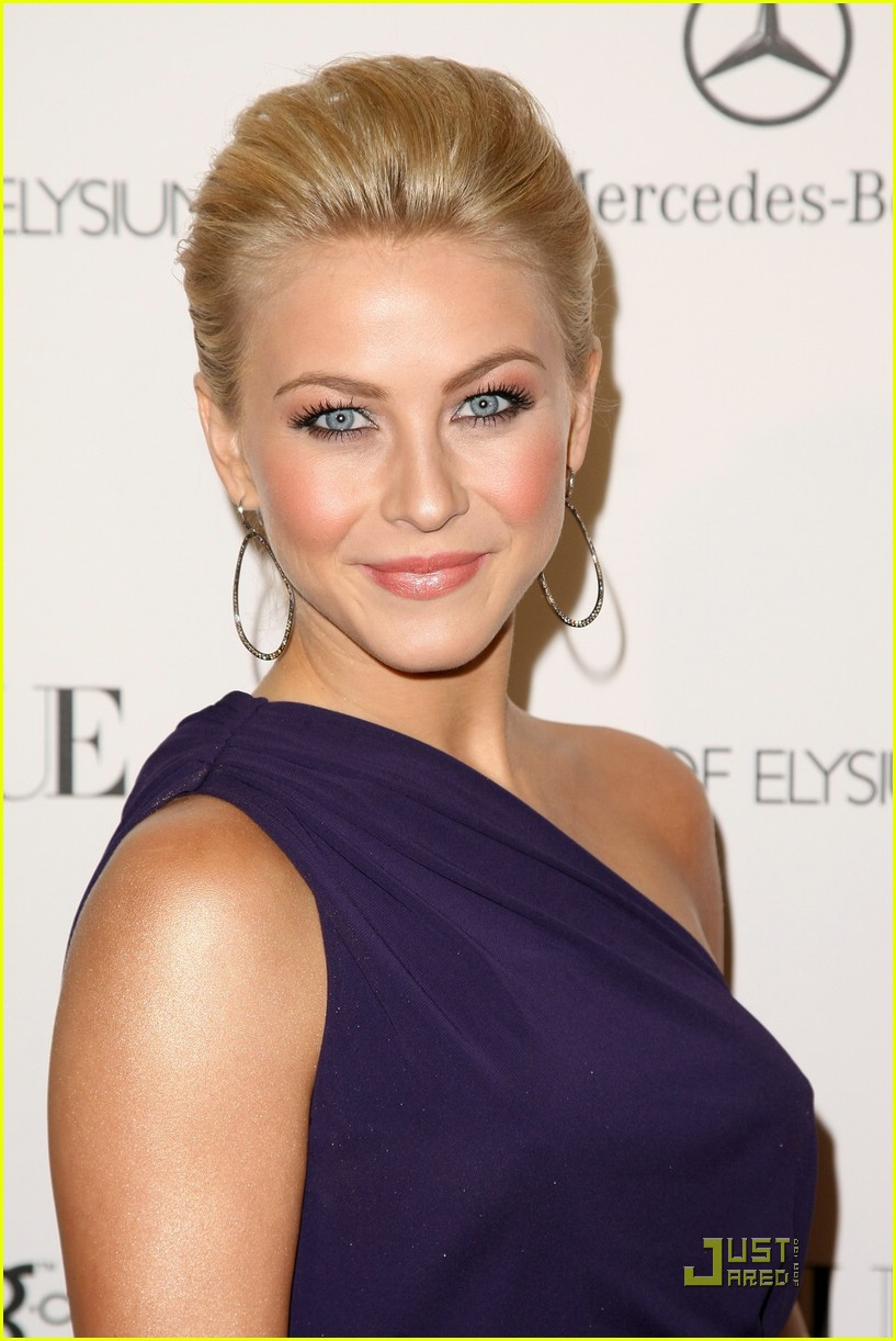 julianne hough golden globes 21
