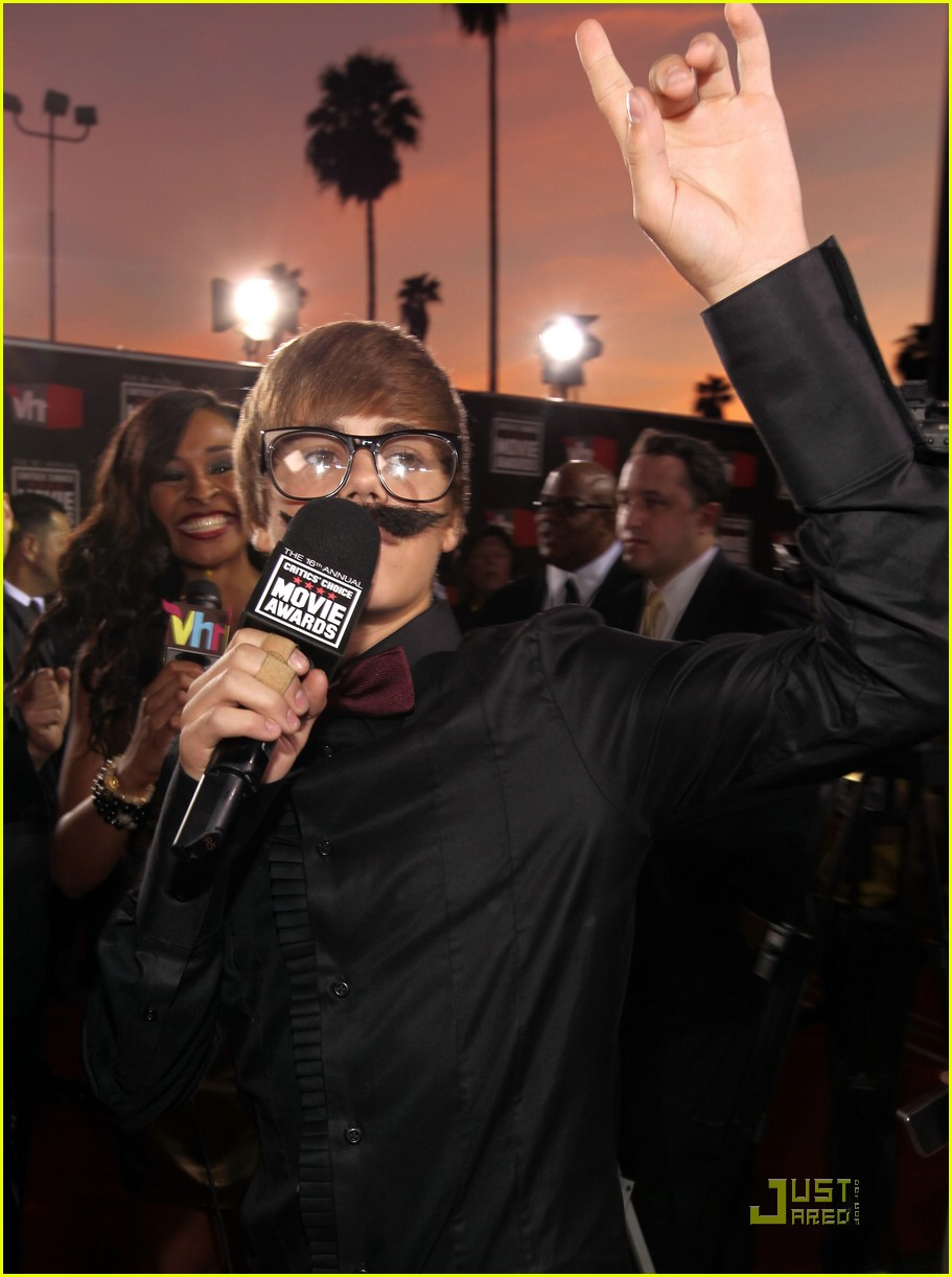 justin bieber critics choice 04