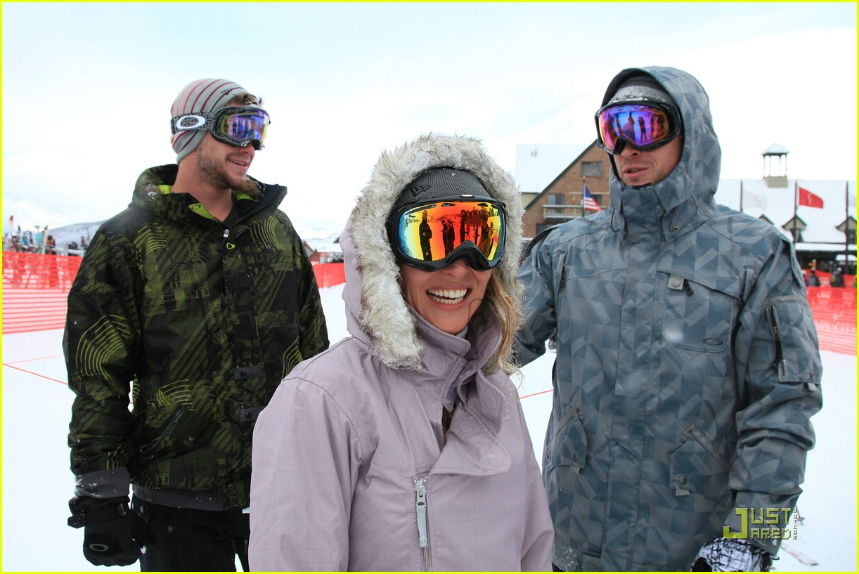 liam hemsworth snowboarder sundance 05
