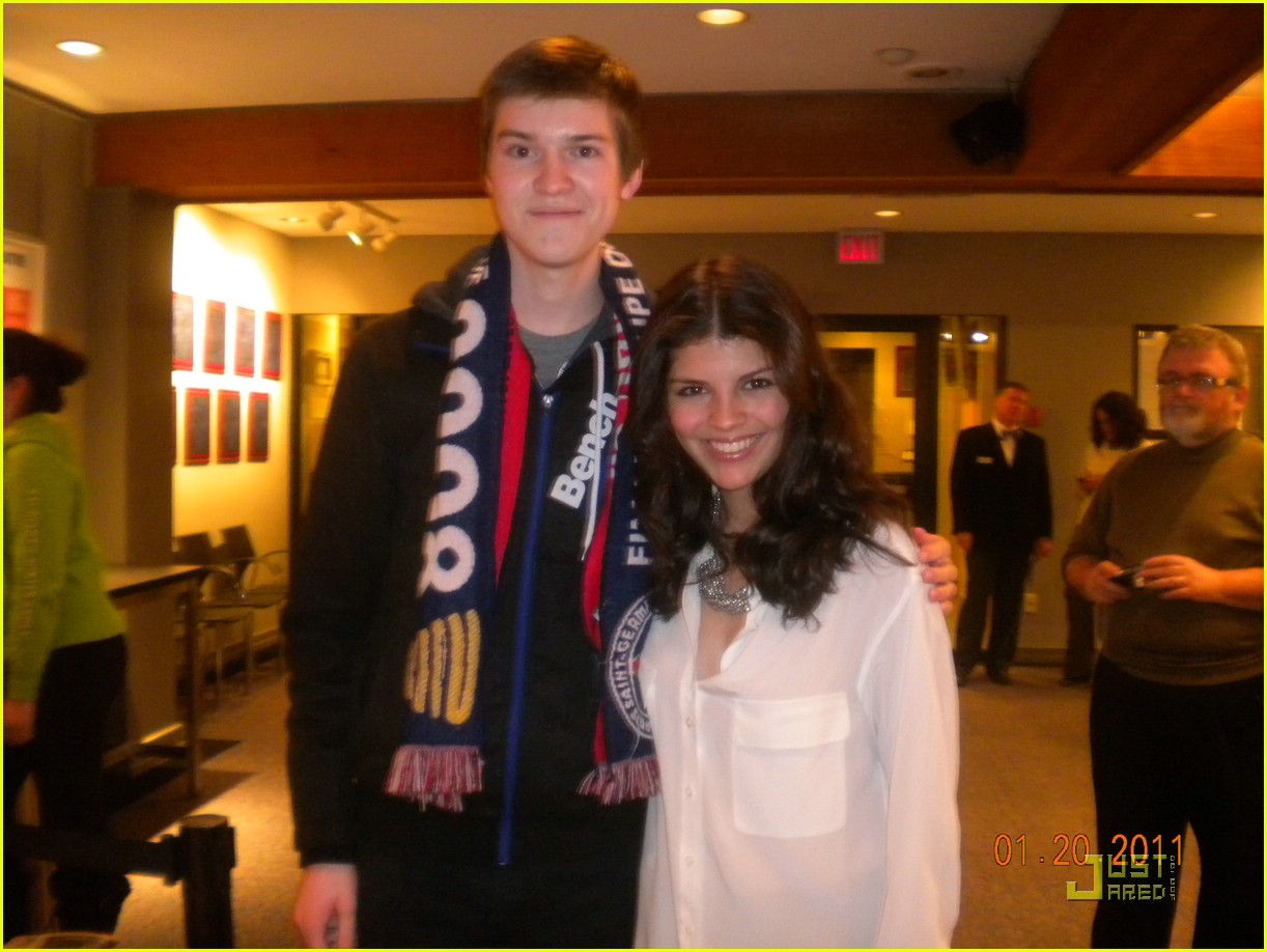 nikki yanofsky fan mtg 01