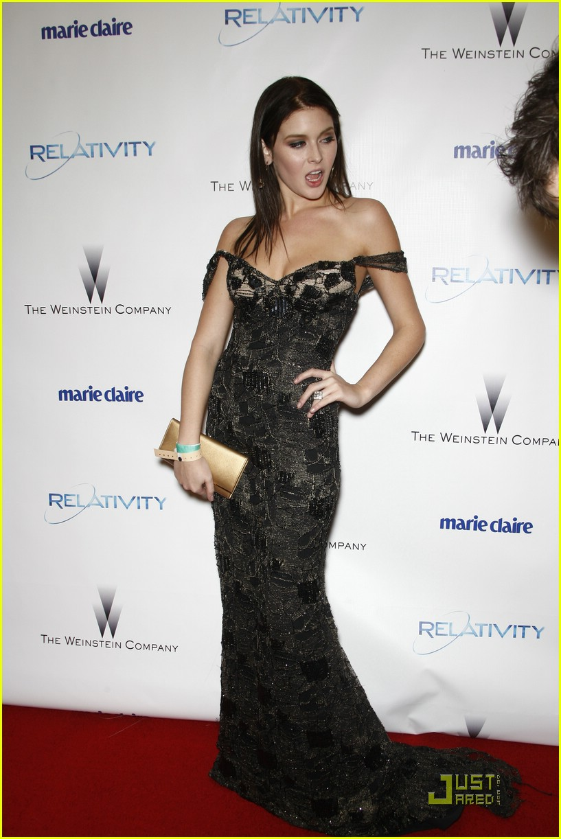 renee olstead liam hemsworth globe party 06