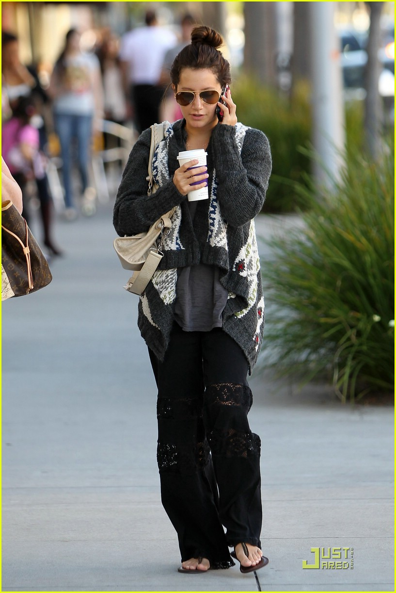 ashley tisdale jjj lopez tonight 03