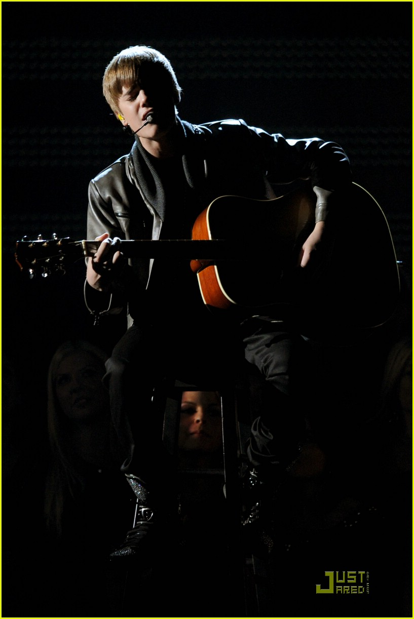 justin bieber grammy performance 09