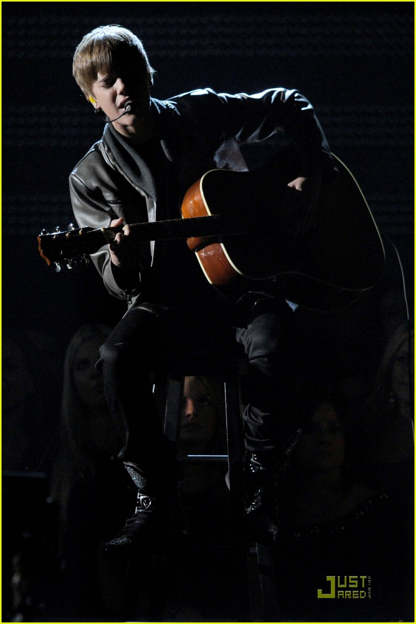 justin bieber grammy performance 15