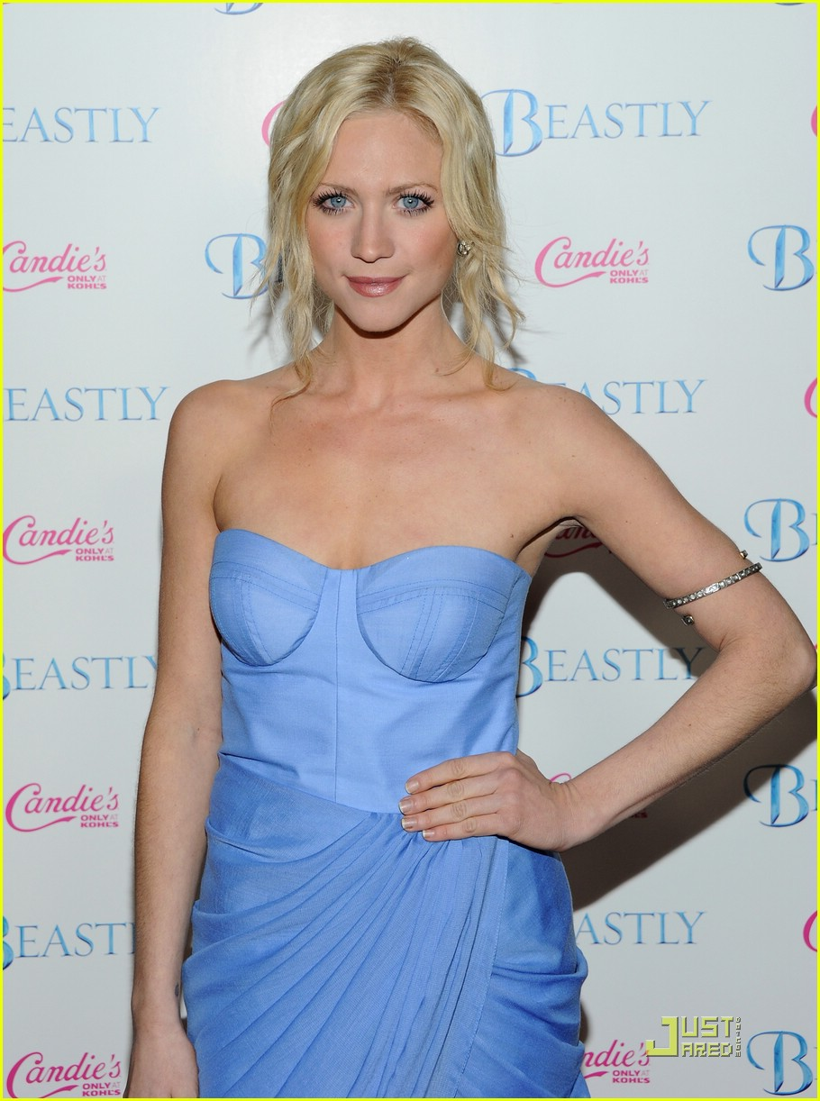 brittany snow beastly blue 09