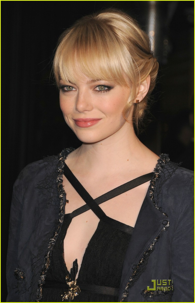 emma stone taylor swift chanel 22