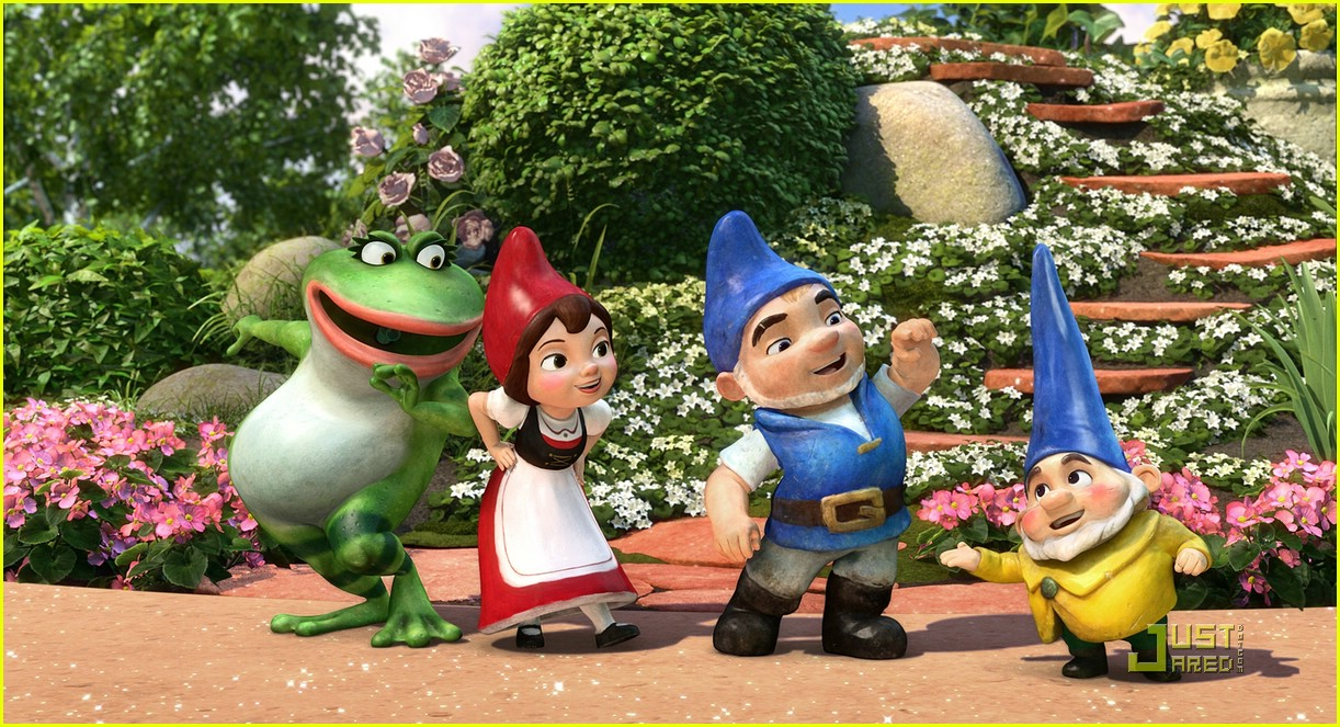http://cdn04.cdn.justjaredjr.com/wp-content/uploads/pictures/2011/02/gnomeo-today/gnomeo-juliet-theaters-today-03.jpg