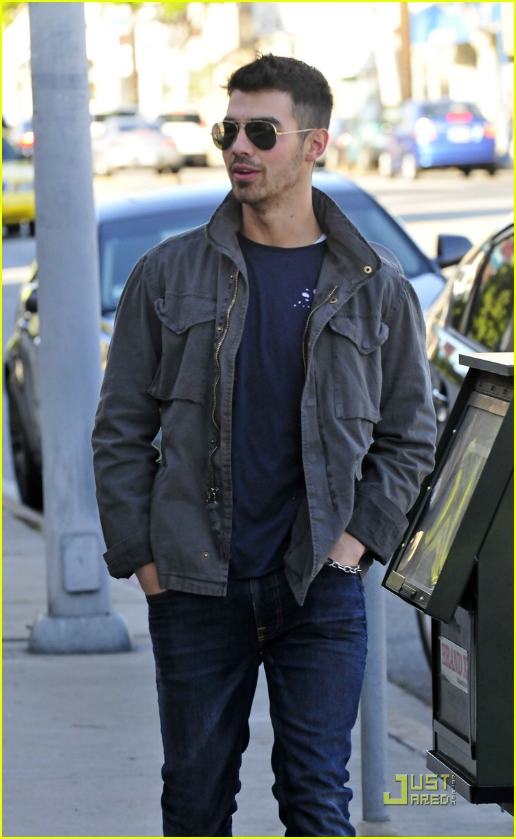 joe jonas homeless real food 04