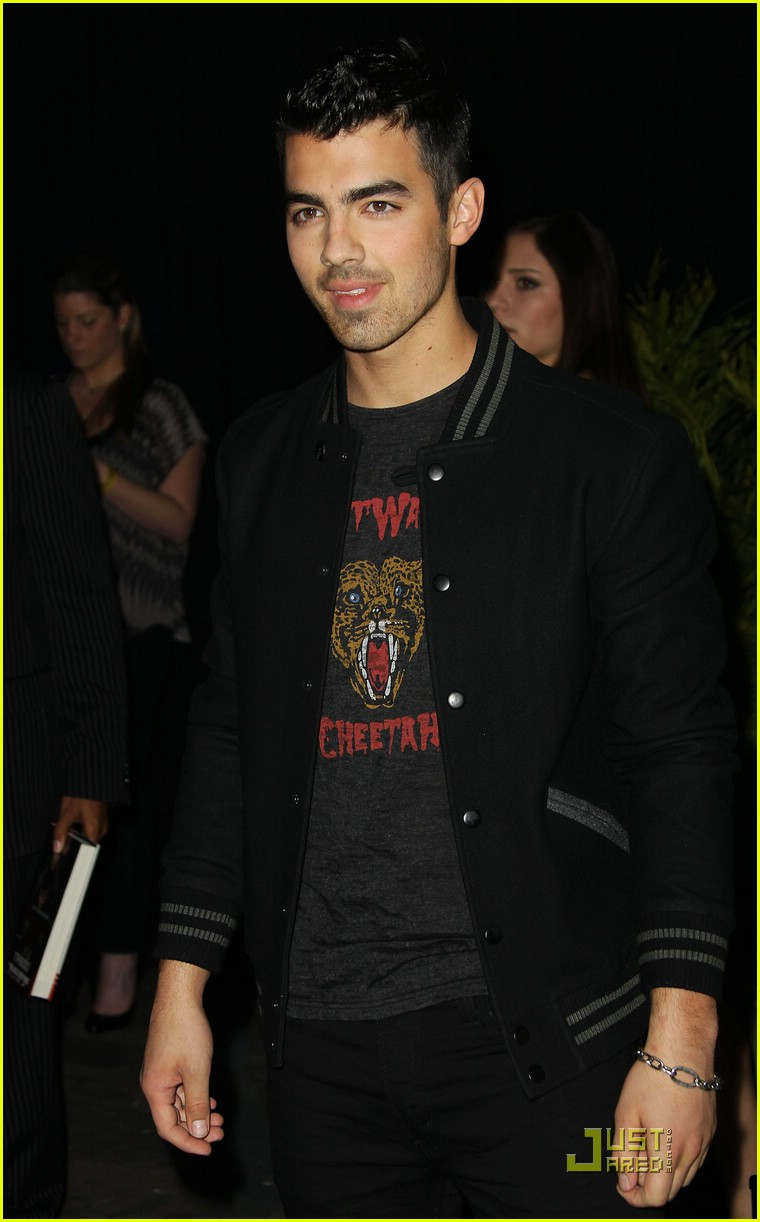 joe jonas usher grammy party 03