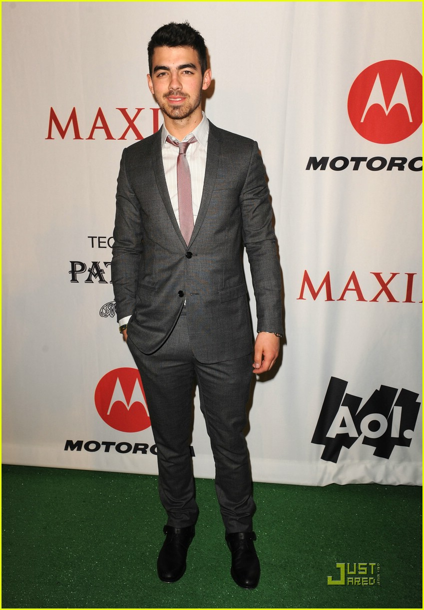 joe jonas xoom motorola party 01