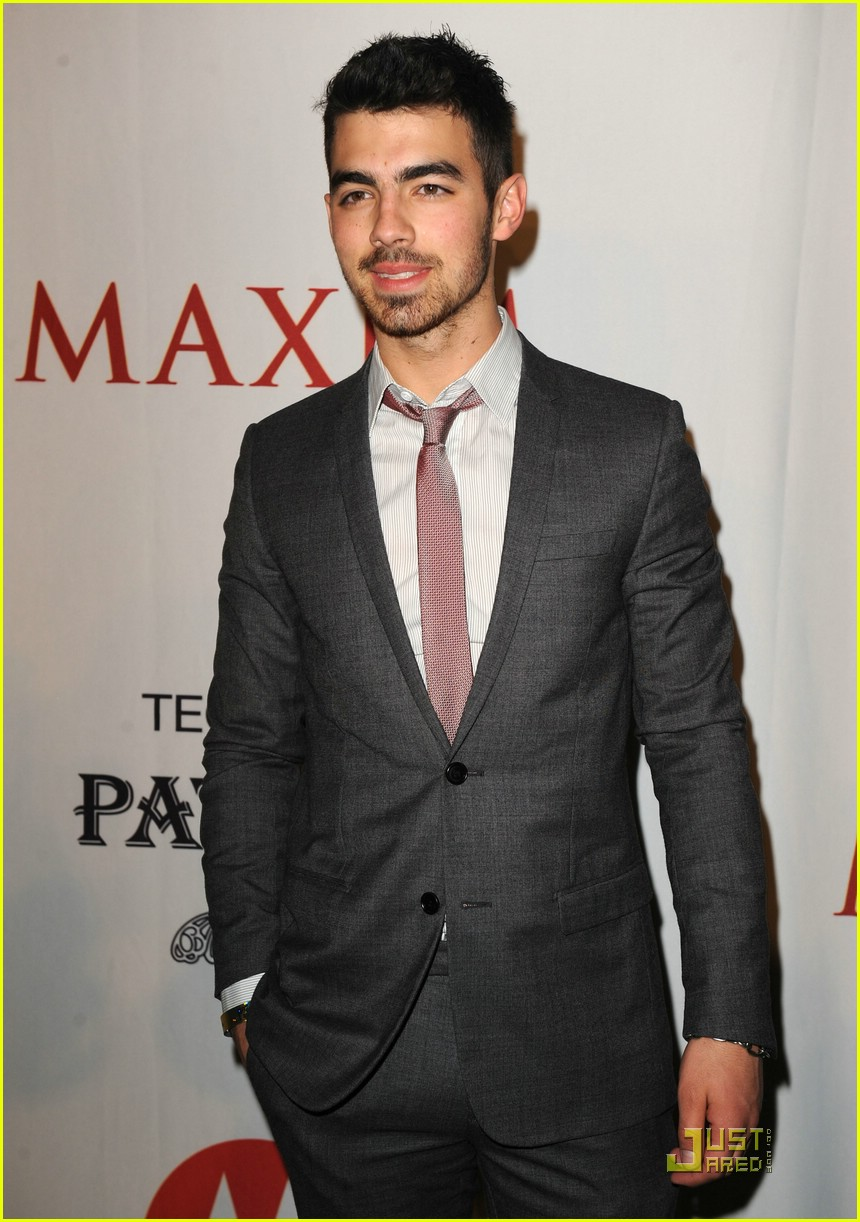 joe jonas xoom motorola party 03