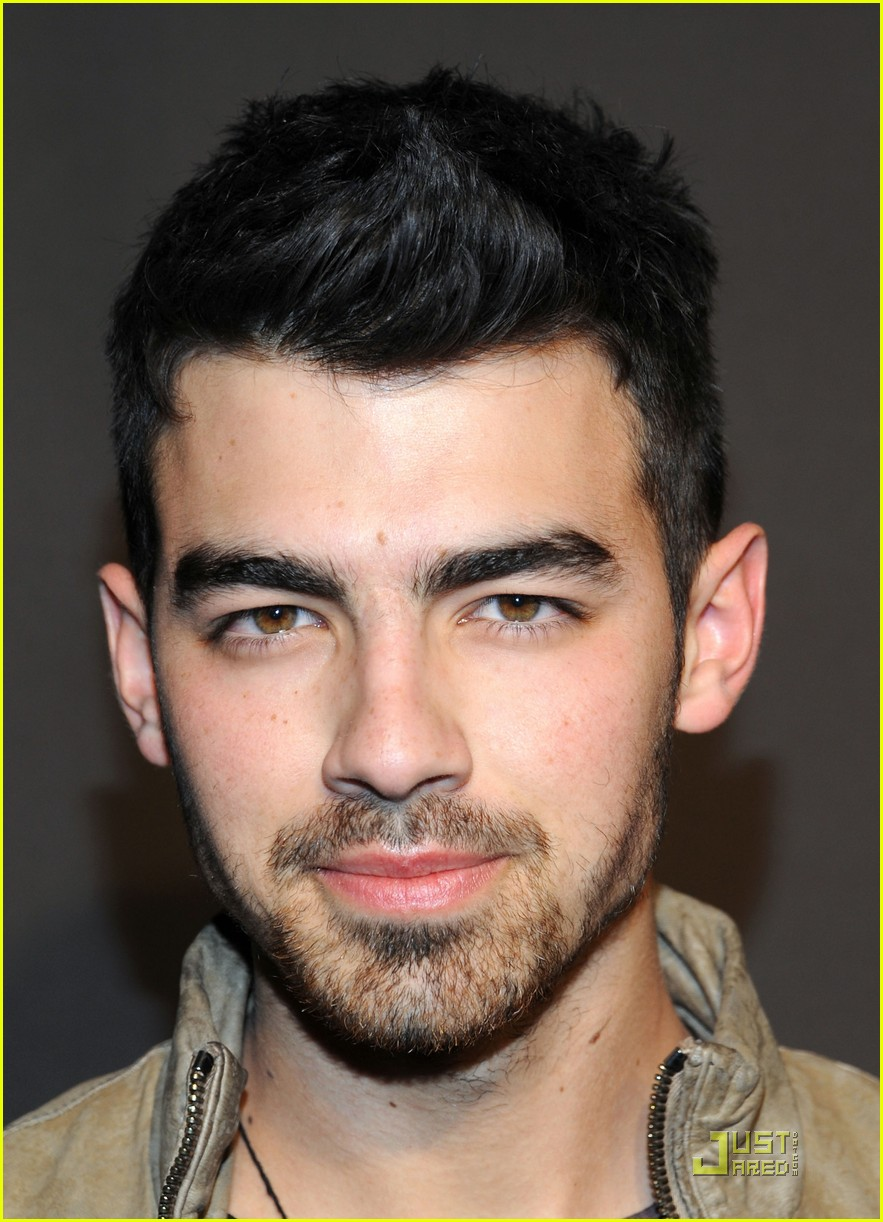 joe jonas gq lacoste cadillac party 05
