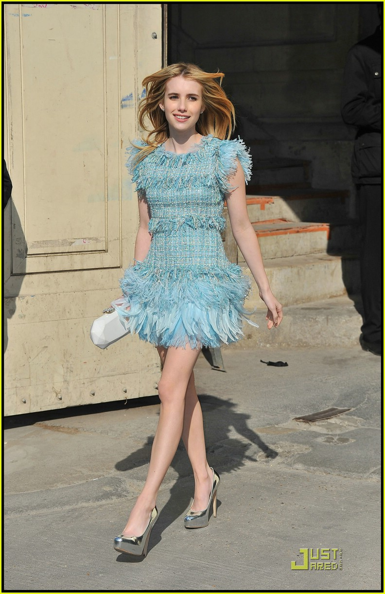 emma roberts chanel paris 09
