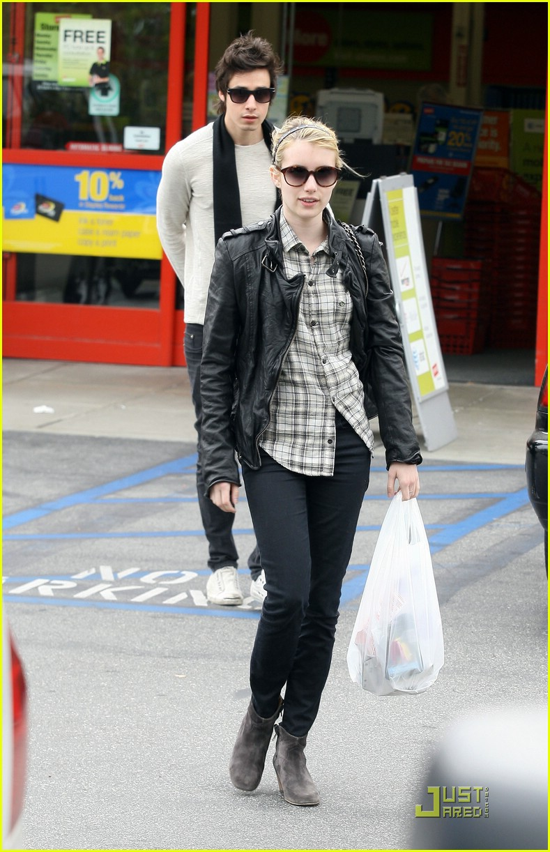 emma roberts staples run 13