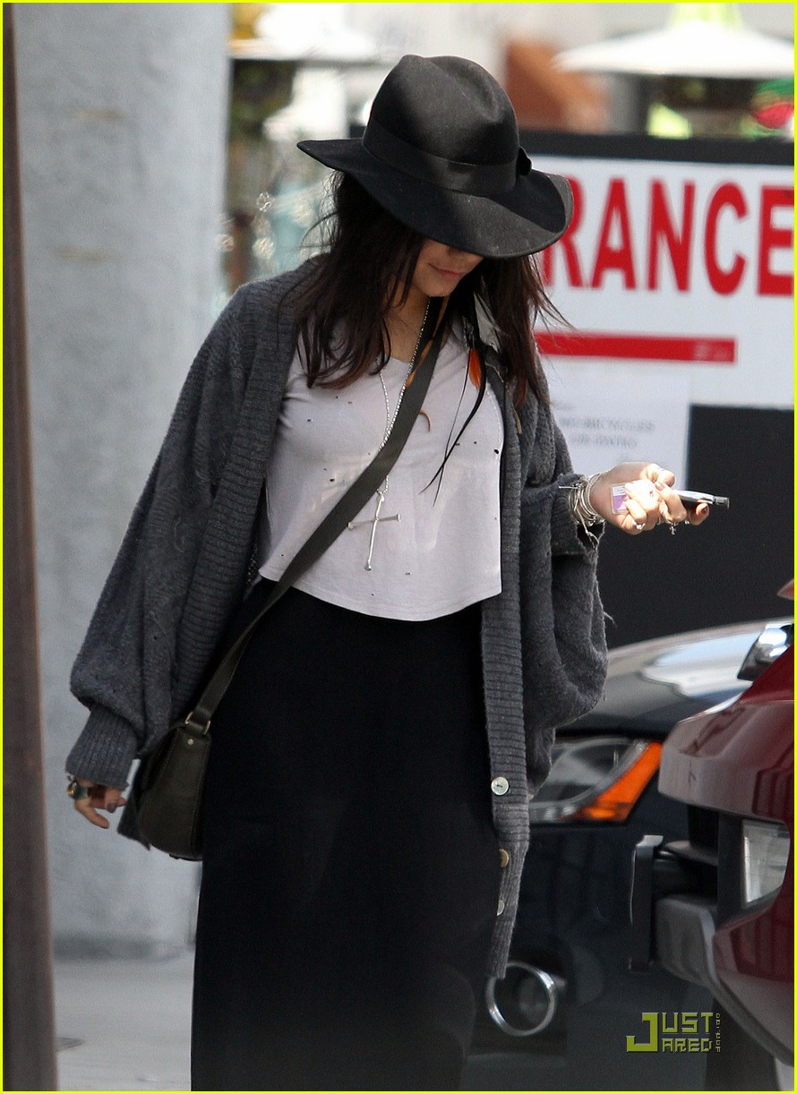 vanessa hudgens black hat 01