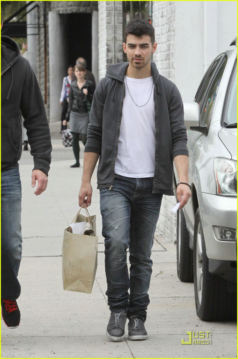 joe jonas all saints 03