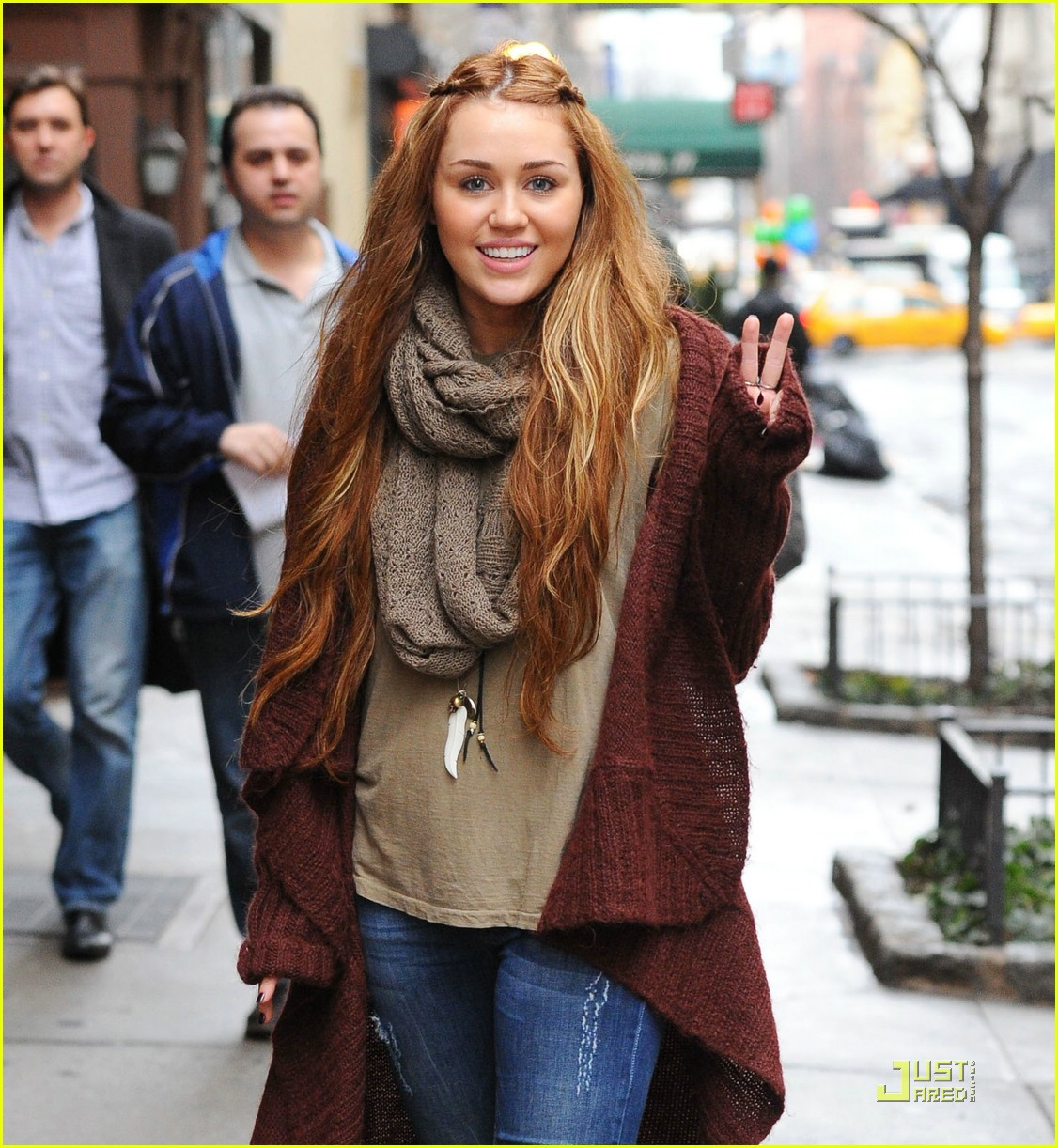 miley cyrus nyc shopper 04