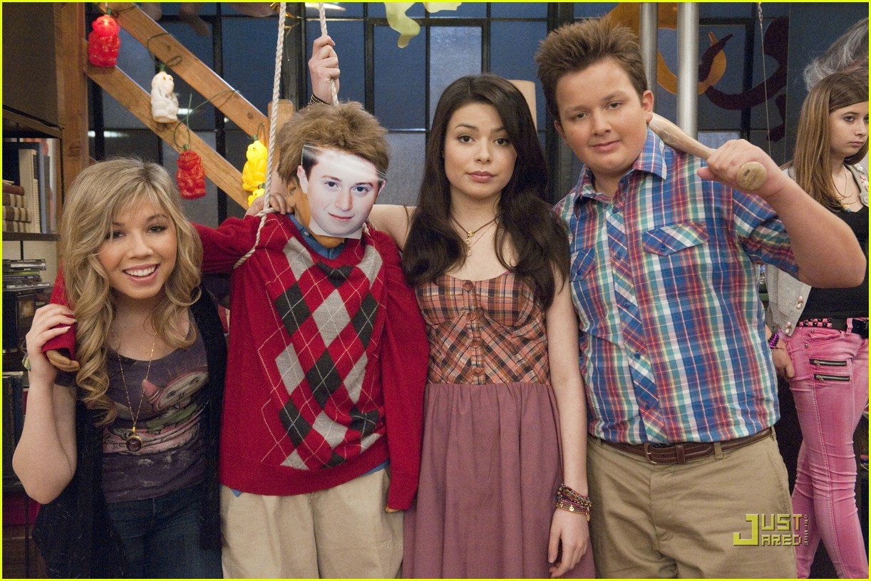 nathan kress spoofs twilight 05